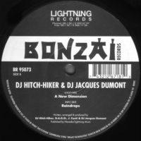 Hitch-Hiker & Dumont – A New Dimension