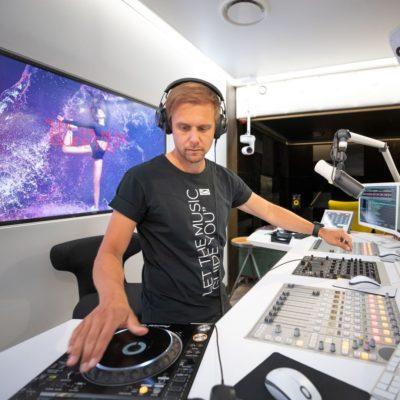 A State Of Trance 963 (07.05.2020) with Armin van Buuren & Ferry Corsten