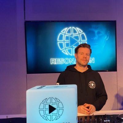 resonation radio 09